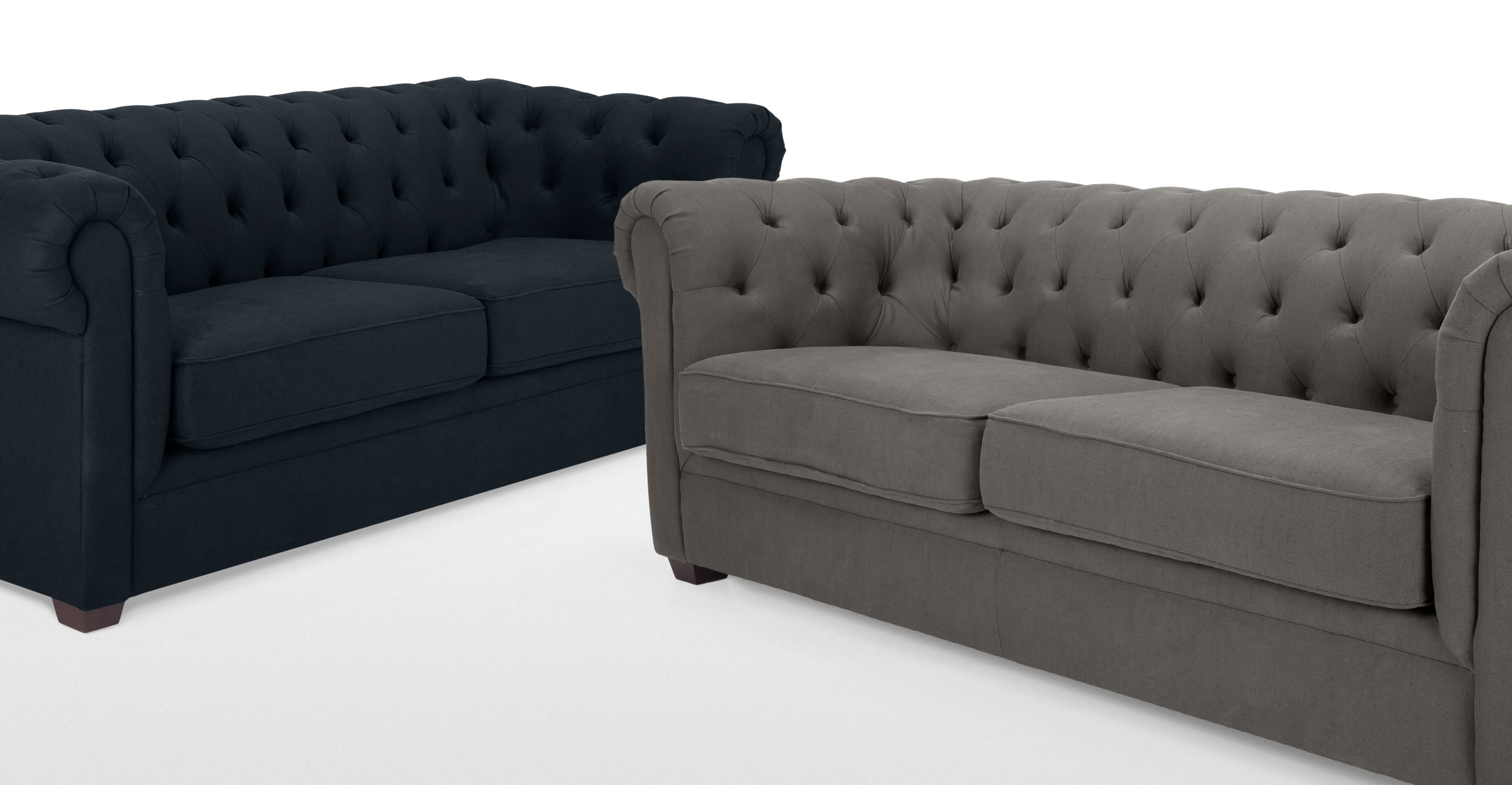 Mayson un canap 3 places chesterfield gris harrier for Canape chesterfield tissu gris