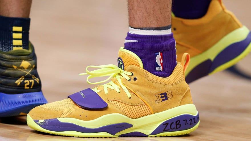 Report Lakers Talked To Lonzo Ball About Changing Shoes Yardbarker