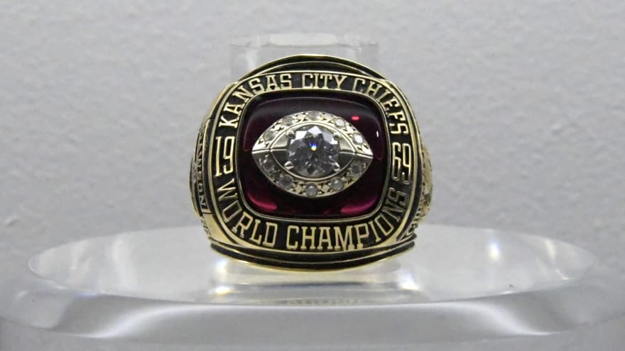 player-auctioning-chiefs-super-bowl-ring