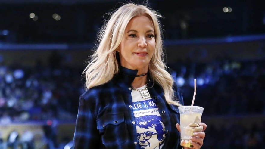 Lakers news: Jeanie Buss heartfelt message to L.A. after