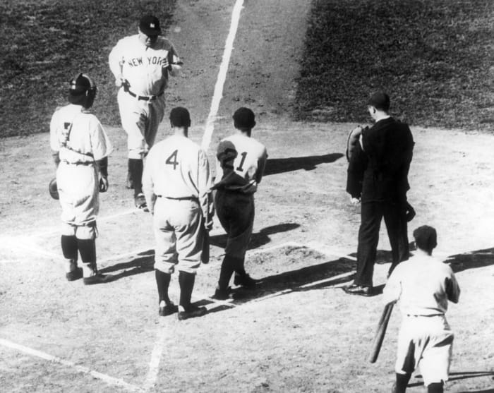 1932: Game 3 - New York Yankees 7, Chicago Cubs 5