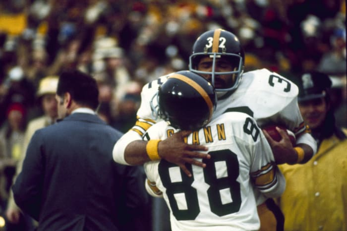 Super Bowl IX: An apology from...Mary Tyler Moore?