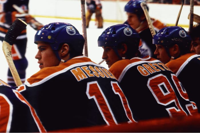 Wayne Gretzky and Mark Messier (Edmonton Oilers)