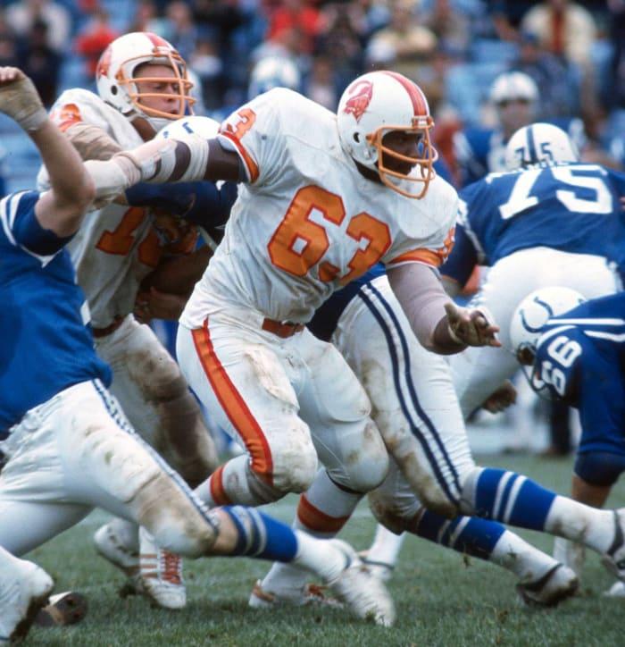 Lee Roy Selmon, DE, Tampa Bay Buccaneers (1976)