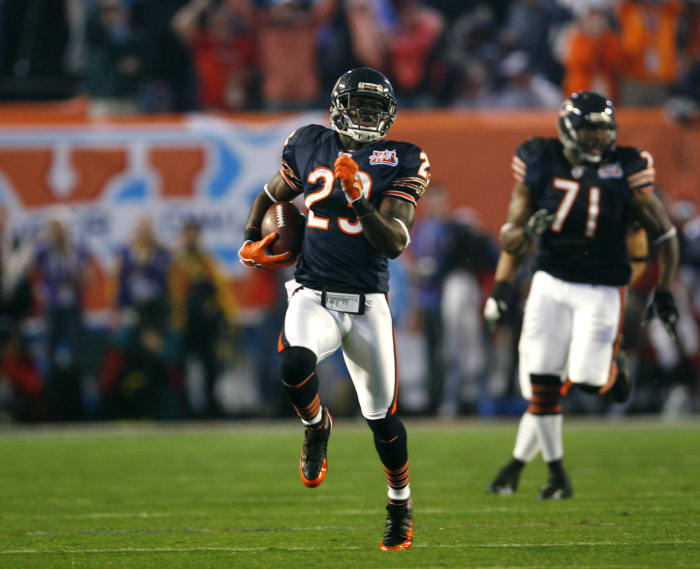 Super Bowl XLI: Hester starts things off with a bang