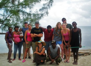 Study Abroad Reviews for George Mason University: Traveling - From Ridges to Reefs