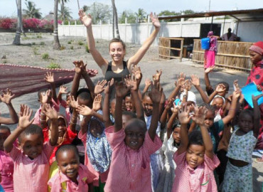 Study Abroad Reviews for Projects Overland: Tanzania - Volunteer Opportunities in Health Care, Teaching and Community Service