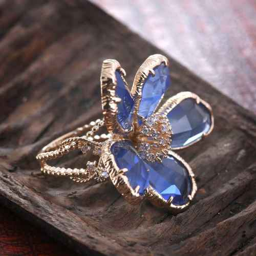 Blue Flower Ring Made with Elements from Swarovski.