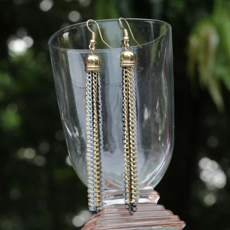 Black chain reaction Earrings