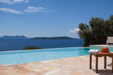 Villa Boubouki - Villa de charme face à la mer dans bel espace de détente.