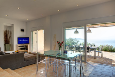 Villa Portokali - Villa spacieuse et luxueuse avec belle vue mer.
