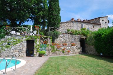 Omsorgsfullt och smakfullt restaurerad villa med privat pool