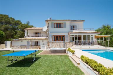 Populär villa med pool gör den perfekta semestern över generationsgränserna
