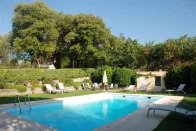 Vacker herrgård med enastående tomt och privat pool