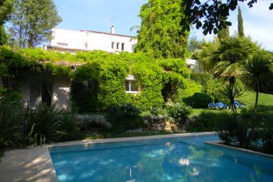 Hyr hus med pool i Antibes