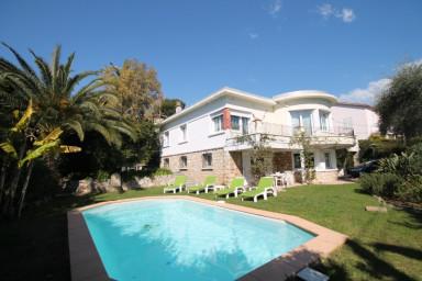 Stor härlig villa i Cannes med plats för hela familjen