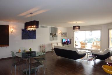 Lyxig lägenhet i Mandelieu med spektakulär havsutsikt
