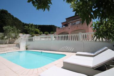 Mysig villa med pool i närheten av Cannes