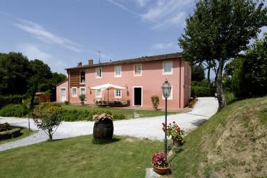 Härlig villa med pool på en vacker Toscansk gård