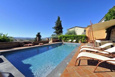 Villa med pool med fantastisk utsikt över Volterra