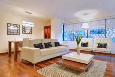 Modern Luxury Close to Nightlife