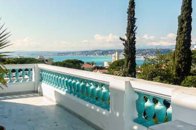 Luxuös villa med gångavstånd till hamnen, Gamla stan och strandpromenaden