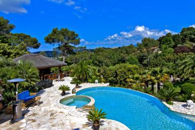 Spektakulär villa med härlig pool