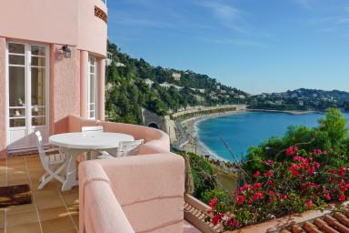 Villa med oslagbar utsikt över Medelhavet och St Jean Cap Ferrat