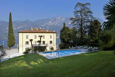 Elegant villa med spektakulärt läge och oslagbar utsikt över Comosjön