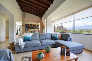 Alcazar de Zuñiga 507 Stunning 3 level Penthouse