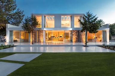 Urläcker villa med pool och underbar solterrass belägen bara 1,4 km från Cala Bassa