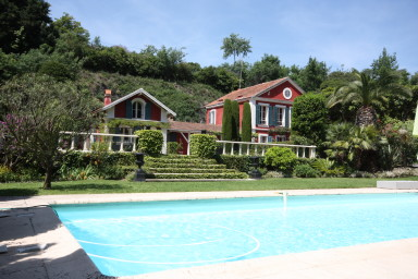 Magnificent Villa with swimming pool and beautiful garden
