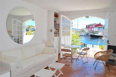 Maison de pêcheur proche plage avec Clim, WIFI avec amarrage 14m