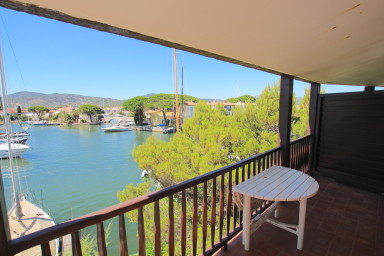 Large 2-room apartment with a 15m mooring