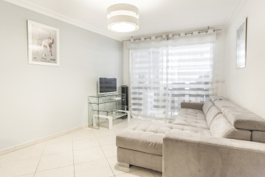 Cosy 1 bedroom - 100m from the beach