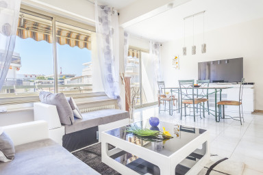 Cosy 1BR at 50m from the beach