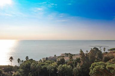 Magnifique appartement avec vue mer panoramique proche Cannes