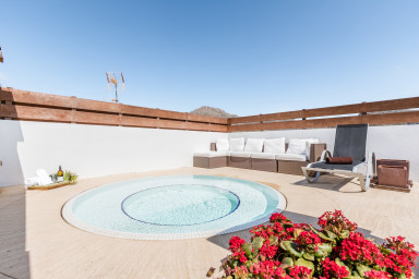 La Gola penthouse C with private roof terrace and Jacuzzi