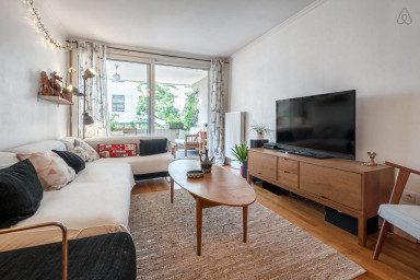 Spacious flat with 2 balconies