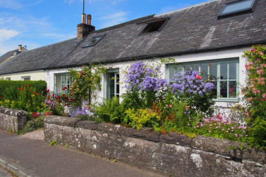Pretty Cottage, Perthshire- Great Views. Sleeps 6