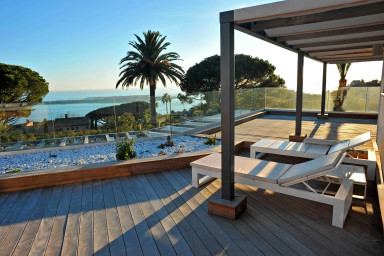 Luxurious villa, sea view pool and jacuzzi