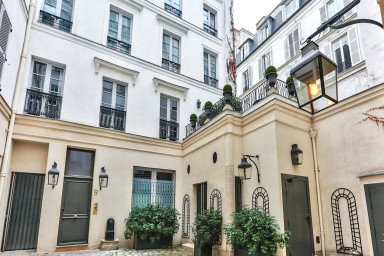 Love nest in Saint Germain
