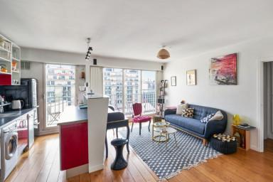 Appartement parisien avec vue sur la Tour Eiffel - W359