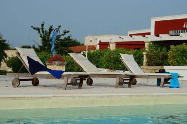 Morello app. in masseria tipica con piscina