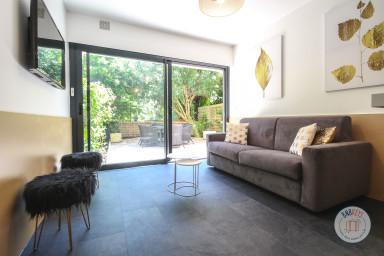 Appartement moderne de plain-pied  à 50 mètres de Palm Beach
