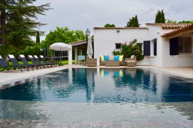 #Villa de standing, idéale en famille, piscine miroir,  Ansouis