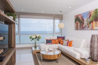 Elegant High Rise with Stunning Ocean Views