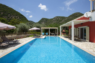 -15%: Villa Niriides - Private secluded villa with very big swimming pool
