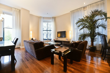 Beautiful 2 bed 2 bath apartment in the heart of the Old Montreal