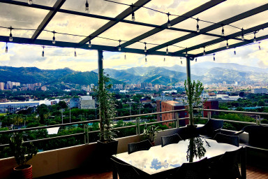 Patio Bonito Penthouse with Spectacular Views and Rooftop Terrazza